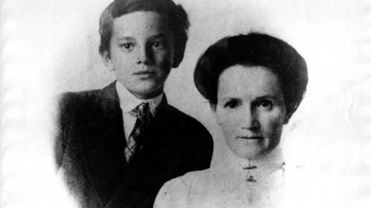 Julia and Thomas, 1910