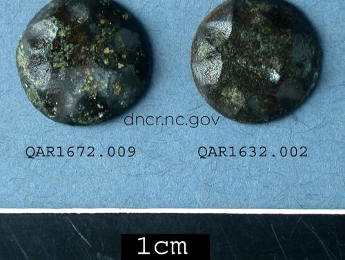 Copper alloy buttons from the QAR site