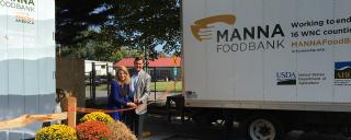 First Lady Kristin Cooper at ribbon cutting for Manna Food Bank