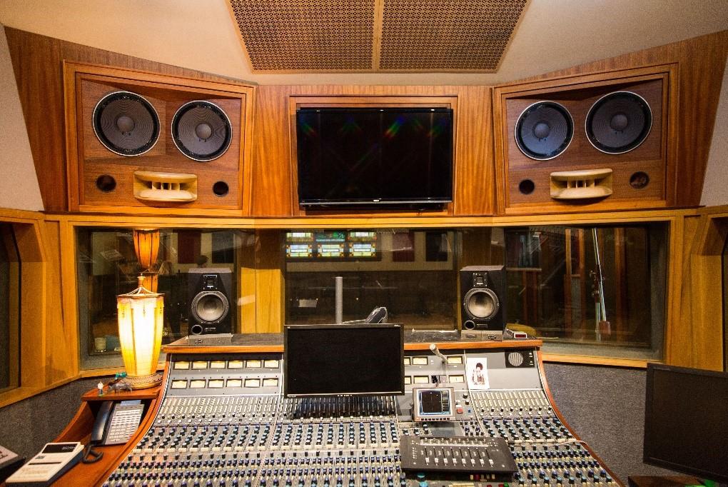 Asheville's Echo Mt. Studios