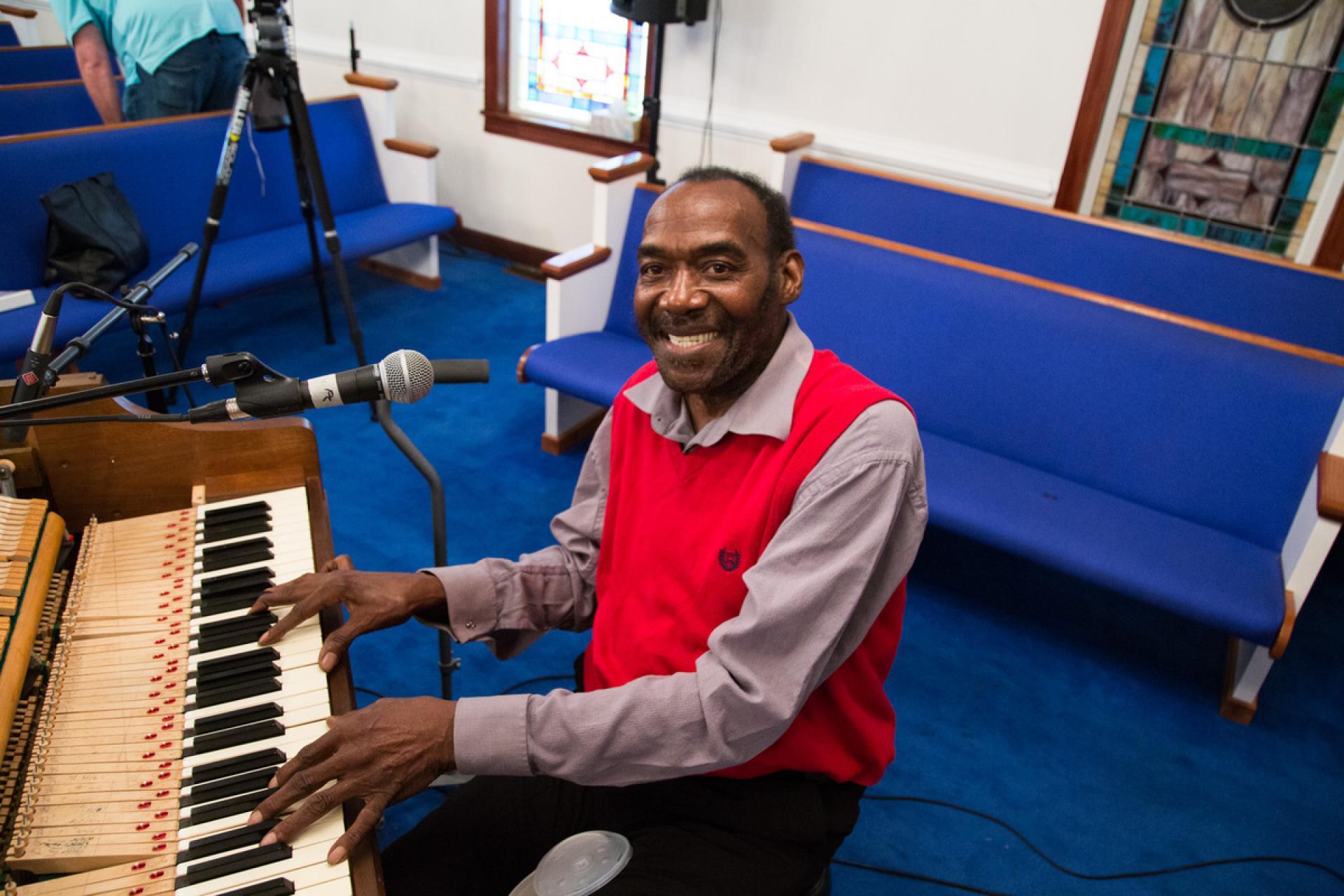 Branchettes pianist WIlbur Tharpe