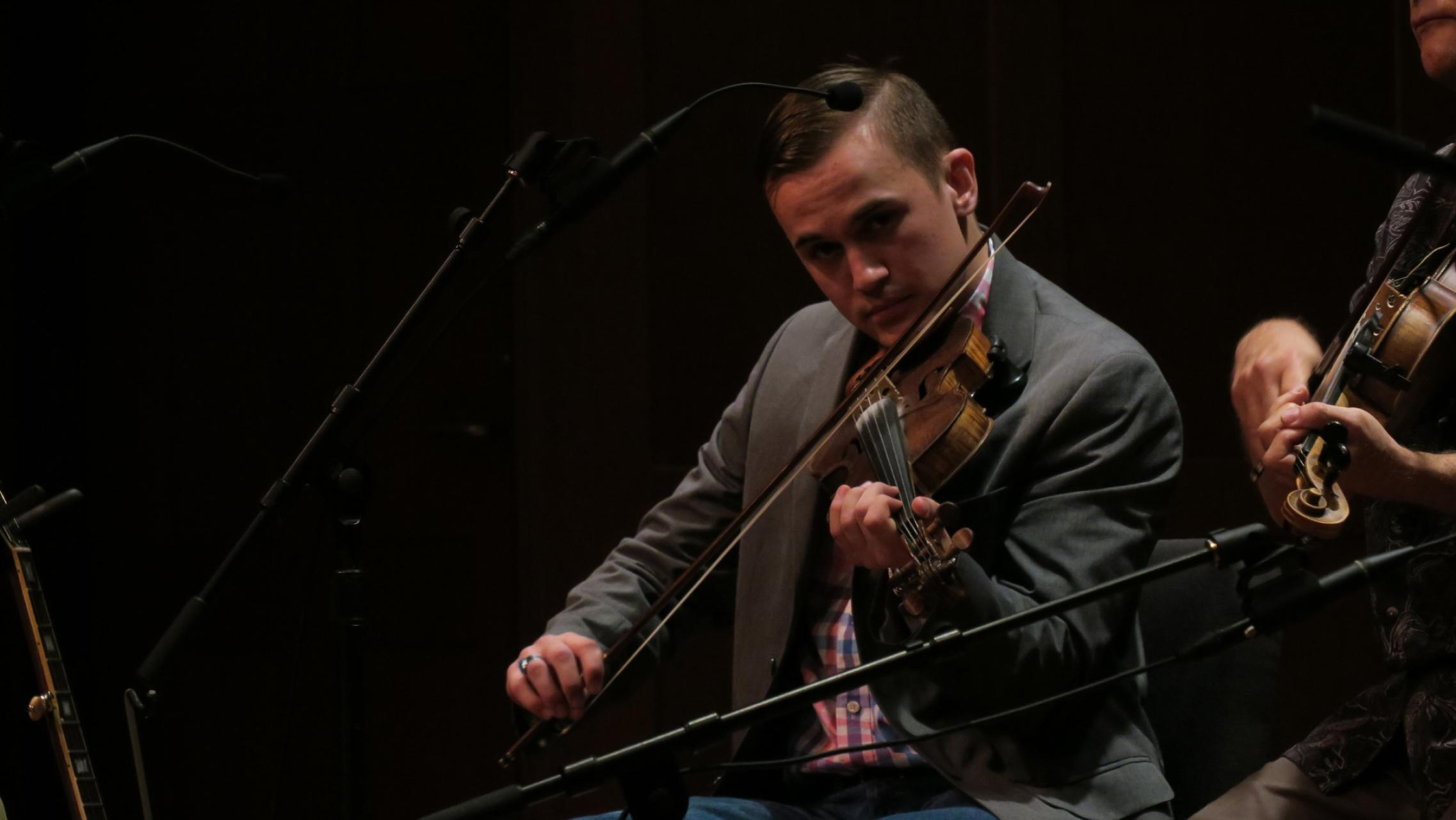 Scott Stegall playing fiddle