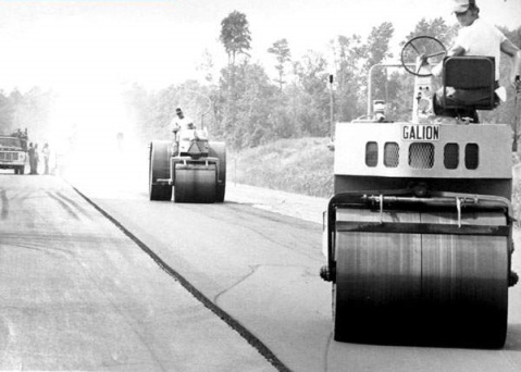 Construction on the final link of I-40 near the Pender-New Hanover County line, circa 1985. Image from the Wilmington Star-News.