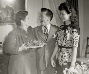 Mickey Rooney and Ava Gardner, a native of Johnston County, visit Gardner's mother in Raleigh in 1942