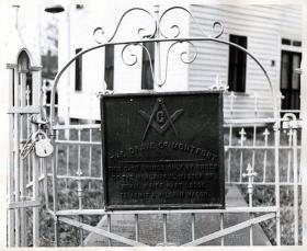 Montfort's grave in Halifax, North Carolina