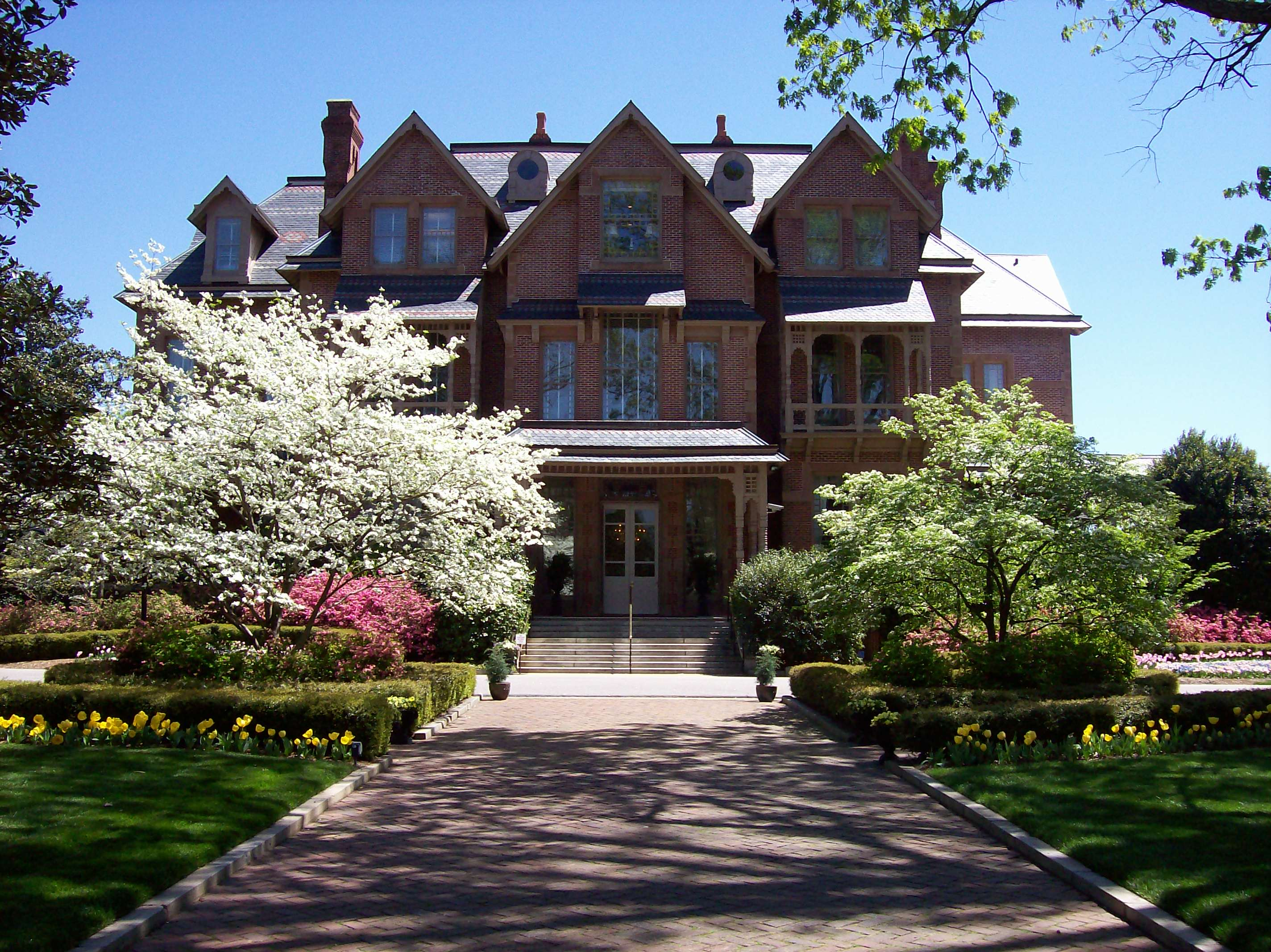 N.C. Executive Mansion Spring House and