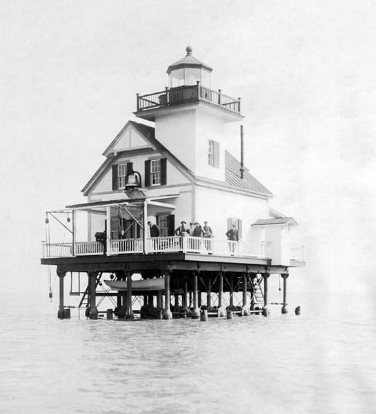 1916 Roanoke River Lighthouse