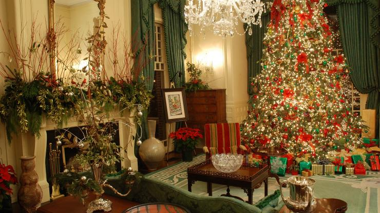 holiday open house - Mansion Christmas Decorations