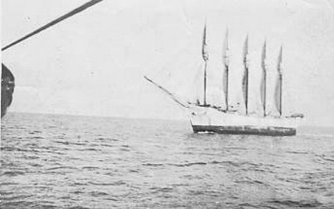 The Carroll A. Deering. Image from the N.C. Maritime Museum.
