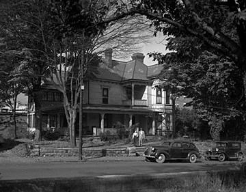 The Old Kentucky Home in Asheville in 1946. Photo from the State Archives