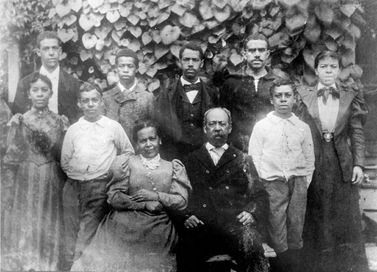 William Gould with his wife, Cornelia, and their children. Image from Wikipedia