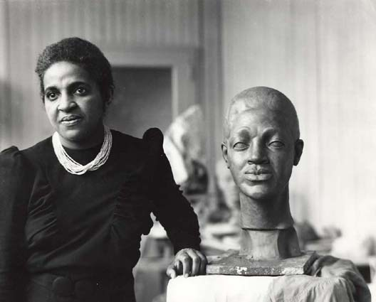 Burke in her studio. Image from the Smithsonian American Art Museum.