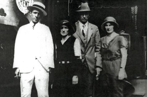 Jimmie Rodgers with the Carter family of country music fame. Image from the Birthplace of Country Music Museum.