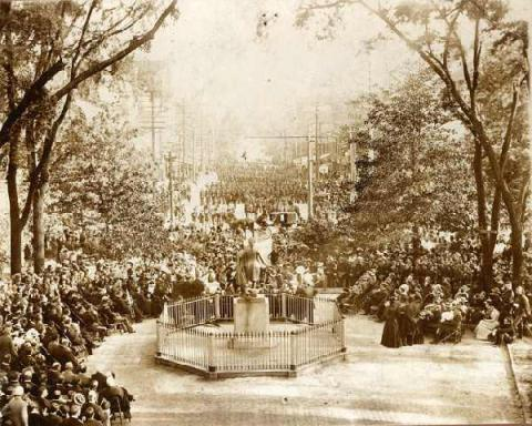 Worth Bagley's 1898 funeral at the State Capitol. Image from the N.C. Museum of History.