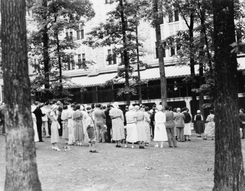 People gathered outside the Duke University Medical Center, circa 1930. Image from the Duke University Medical Center Archives.