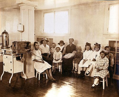The free dental dispensary for school children at Erlanger Mills in 1918.
