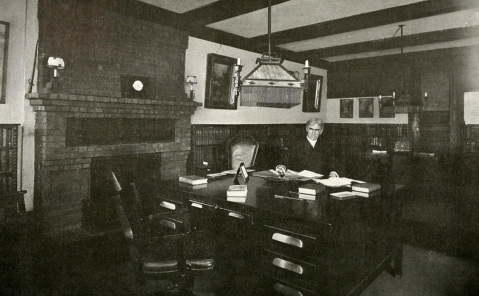 Dixon works at his New York office in 1915. Image from  the North Carolina Digital Collections