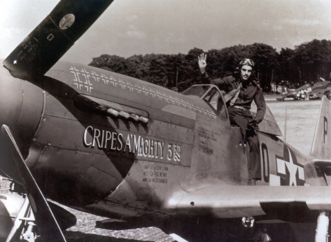 Preddy with his plane. Image from the 352nd Fighter Group Association Archive.