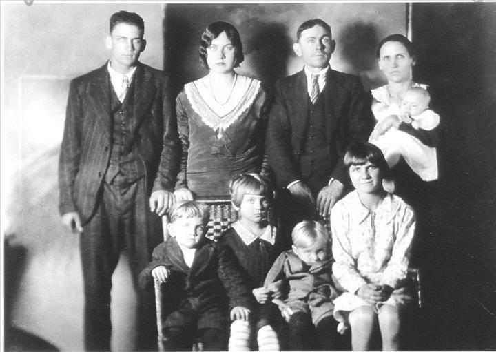 The portrait of the Lawson Family taken just before the murder.