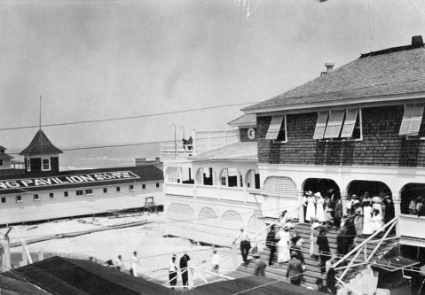 Tourists gather at Lumina Pavilion, circa 1918. Image from the State Archives