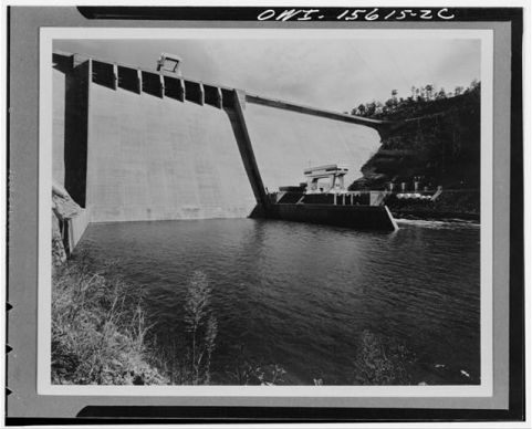 Hiwassee Dam and powerhouse. Image from  the Library of Congress.
