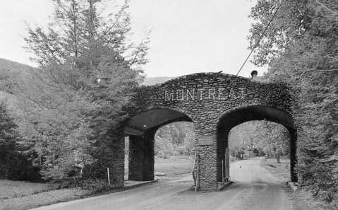 The Montreat Gate at unknown date. Image from the Swannanoa Valley Museum.