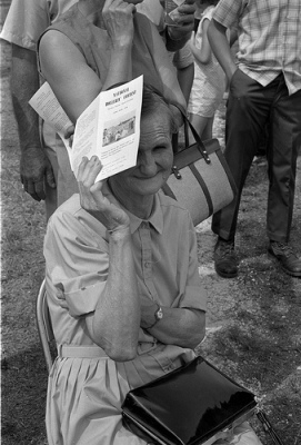 A Hollerin' Contest spectator in 1970. Image from State Archives