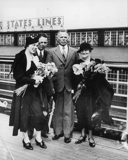 William E. Dodd and his family arrive in Hamburg, Germany in 1933. Image from  the Library of Congress.