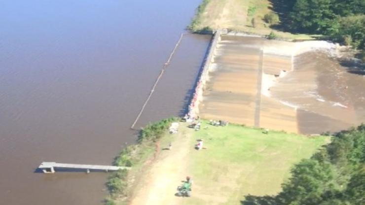 Woodlake Dam (MOORE-040) during Hurricane Matthews 2016