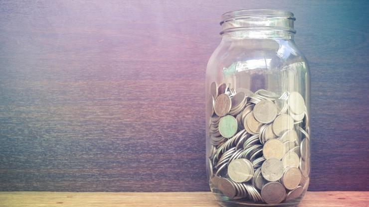clear jar full of coins