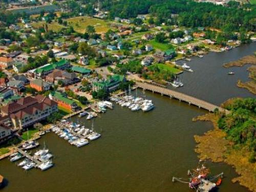 Aerial photo of the downtown Manteo waterfront
